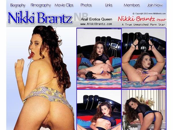 Nikki Brantz With Cash